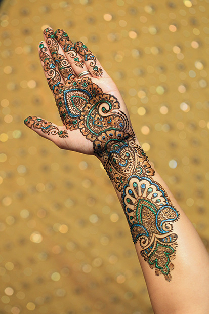 Mehndi Henna Lemon : The art and medicine of henna contentment health